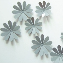 3D Nalepovacie kvety na stenu - Sivé - 1 balenie obsahuje 12 ks